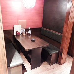 4名様のテーブル席です。半個室となっておりますので周囲を気にせず、おくつろぎいただけます。