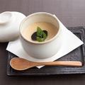 料理メニュー写真ウニとトリュフの出来立て茶碗蒸し