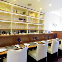 ワインとチーズのお店 カナーレの雰囲気3