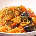 料理メニュー写真モッツァレラチーズと茄子のトマトソース