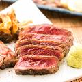 料理メニュー写真馬肉を贅沢に使った、食べ応えも抜群の馬肉ステーキ!