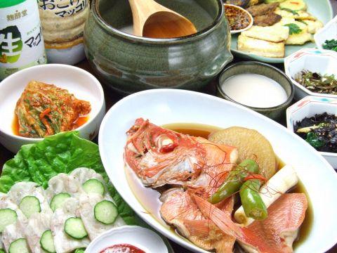 美味しい韓国料理と素敵なママ 黄 香姫(ファン ヒャンヒ)が貴方を迎えます。