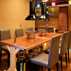 雰囲気抜群のテーブル席をご用意しております。デートや接待、宴会等幅広いシーンでご利用頂けます。