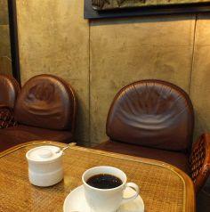 背もたれクッション付椅子も完備。読書される方にもオススメ。