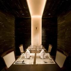 個室は4名様~6名様がゆったりお寛ぎ頂けますので、御もてなしのお席に好評です。(※3名様~ご予約可能です)