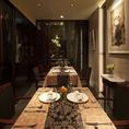 6名様~10名様がゆったりお寛ぎ頂けるテーブル席(扉を閉めて個室も可)は「会食」「接待」、ご家族での「お祝い」のお席などにお勧めです。(※個室は3名様~ご予約可能です)