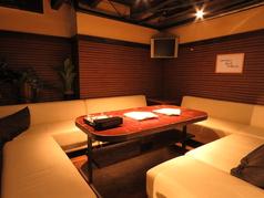 奥には半個室の席もございます♪大人のお客様6~8人様まで座れます。
