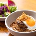 料理メニュー写真ハナオ・ロコモコ オリジナル・グレービーソース★サラダ・海藻スープ付き