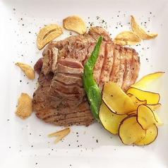 料理メニュー写真仔牛の牛タンのソテー