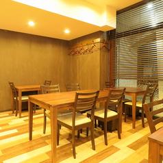 ゆっくりと会話やお酒を楽しむにも最適な空間です。予約しての品数豊富な土鍋ご飯は普段にないゆっくりとした時間を過ごせます。日本酒も全て純米酒で美味しい酒の肴に合うものばかりです。