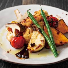 料理メニュー写真季節の窯焼き野菜