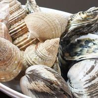 根室、厚岸、襟裳等の漁港から直送される新鮮な食材