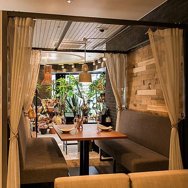 ラグーアンドウイスキーハウス RAGOUT&WHISKY HOUSE ホテルエディット横濱の雰囲気1
