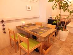 テーブル(4名席)