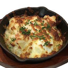 えびとキノコの焼きチーズポテト