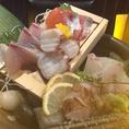 【瀬戸内鮮魚のお刺身】姫路は海に近く、瀬戸内は栄養分の豊富な海としても知られており、良い魚がたくさん獲れます。昼網の鮮魚を贅沢にどうぞ!