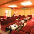 最大40名様までの宴会個室は、座敷席とソファ席を選択可能!座敷だと諸々懸念点がございましたら、ソファ席をご要望ください。