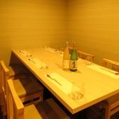 テーブルは人数に合わせてご利用可能。