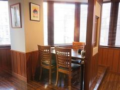 開放的な席のテーブル席