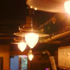 和モダンな店内で美味しい料理とお酒に舌鼓◎