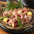 料理メニュー写真豚肩ロースの藁焼き(150g)