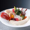 料理メニュー写真新鮮なシーフードと旬野菜 ポン酢のエスプーマ