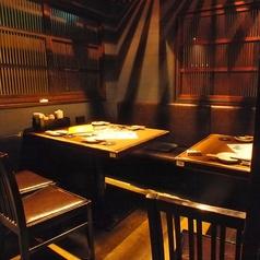 最大4名様まで可。テーブルを2席つけて、最大8名様までのテーブル個室での利用もできます。