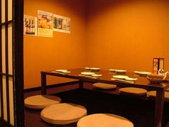 6~7名様の個室は2部屋御座います。連結し10名~14名様までのご会食に対応できます!