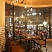 2Fテーブル席4名掛けテーブル席4名様までご案内できるテーブル席となっております♪友人との宴会や会社での飲み会、同窓会などの宴会に是非ご利用ください!【梅田#居酒屋#個室#宴会#誕生日#ランチ#食べ放題#飲み放題#肉寿司#ユッケ寿司#チョアチキン#野菜巻き串】
