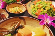 沖縄料理・泡盛のイメージ写真