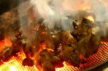 鶏の炭火焼きのイメージ写真