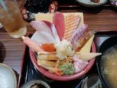 海鮮うまいもんや マルヤス水軍 豊中春日店の特上海鮮丼の写真