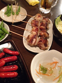 平岸つくね山海の鶏の白レバー串/豚肉のガリ巻き串/とり串/ぶた串の写真