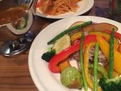 ベヂロカのお野菜たっぷりベヂカレー+農園サラダバー+ドリンクバーの写真