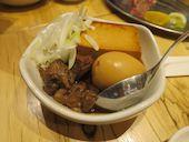 餃子ノ酒場 太陽ホエール 横浜駅前店の肉豆腐 煮玉子入の写真