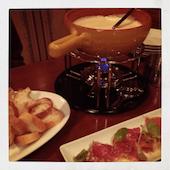 チーズフォンデュとワインのお店 Dining Carinの濃厚チーズフォンデュ の写真