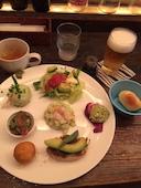 渋谷 うさぎ ウサギの【土日・祝日ランチ限定】アボカルト プレート1200円 の写真