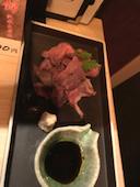 銀波 GINPA 新宿駅東口店の群馬県産上州牛使用 ローストビーフの切り落とし の写真