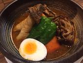 東京らっきょブラザーズの「北海道愛別矢部農園」矢部さんの舞茸スープカレーの写真