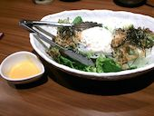 JAPANESE DINING 和民 京橋OBPツイン21-1F店の有機野菜を使った和民サラダの写真