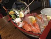 KOHKOH 本店の豪華舟盛り 刺身七種盛りの写真