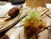 名古屋コーチン モダン和食 互坐 ござの[とりつくね] とりつくね(月見、チーズ、梅しそ、明太マヨ、おろしポン酢)の写真