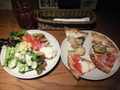 サルヴァトーレ クオモ SALVATORE CUOMO &BAR ザ・ビー池袋のピッツァ・パスタ・サラダ・アンティパスト・デザートも食べ放題!!の写真