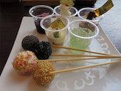 鶴雅 ビュッフェダイニング Buffet Dining 札幌の<デザート>パティシエラボ 特製デザート/白玉団子ピンチョス/カップアイスなどの写真