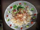 ロジック LOGIC ららぽーと豊洲のスモークサーモンとアボカドのサラダ の写真
