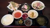 和食・洋食キッチン さくらの特選さくら御膳の写真