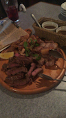 東口ミート酒場の【看板メニュー】豪快★肉メガ盛り ~お肉合計がなんと…1kg!~の写真
