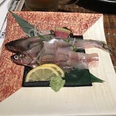 北海道まるごとダイニング うまいっしょ! すすきの店の釧路産シシャモ刺身(1人前)の写真