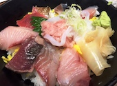 魚菜屋の特盛海鮮丼ランチの写真