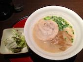 ZUNDA ズンダ 泉中央の毎週水曜日…ワンコインラーメンセットday!とんこつとサラダのSETが500円(税込)の写真